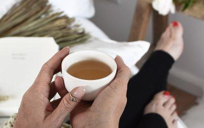 5 einfache Tipps für mehr Achtsamkeit im Alltag und Tee als perfektes Sommergetränk