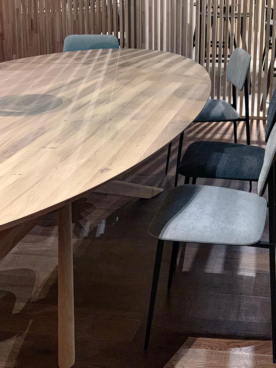 IMM Cologne Holztisch mit Stühlen