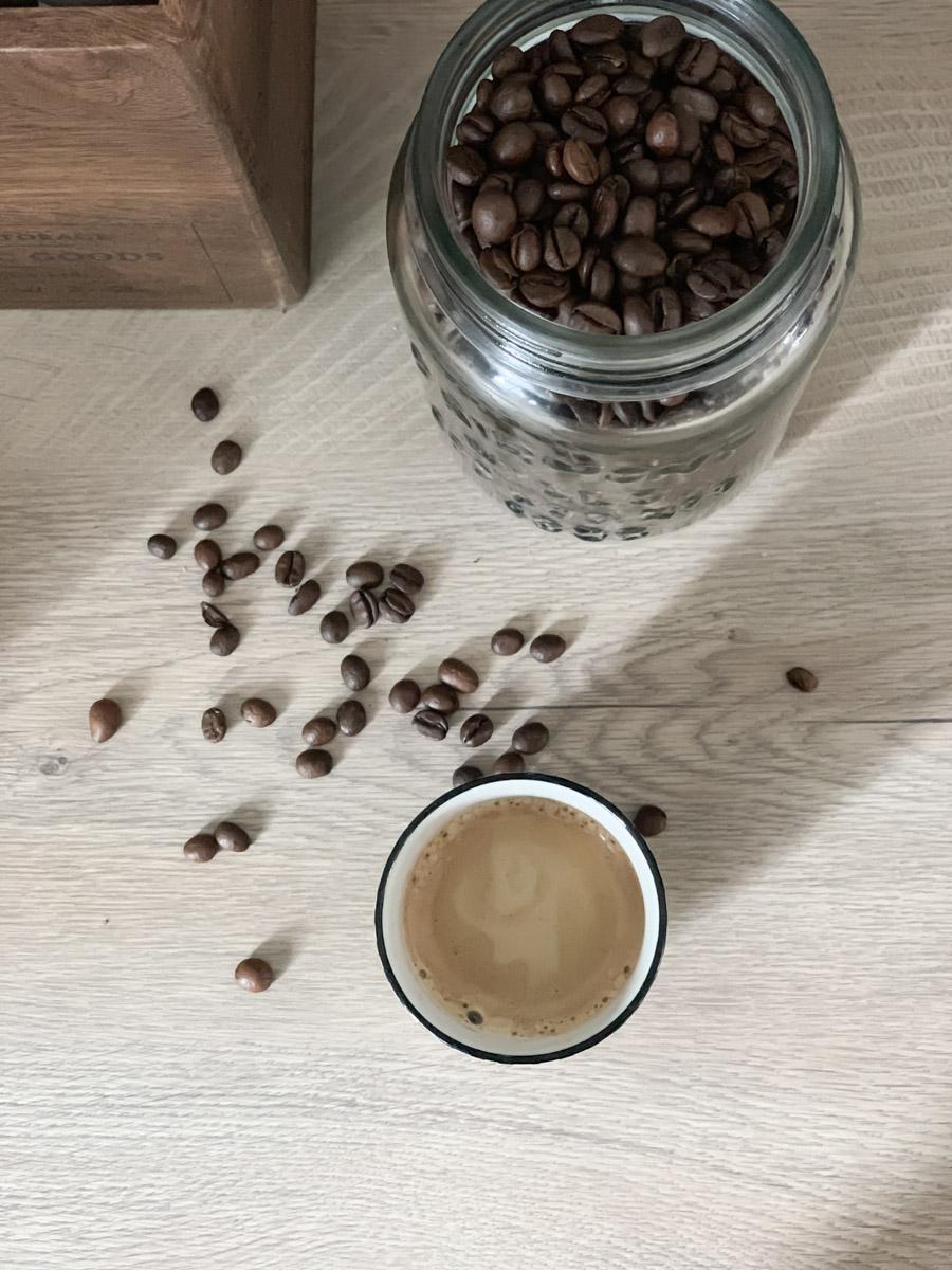Kaffee Dekoelemente in neuer Küche