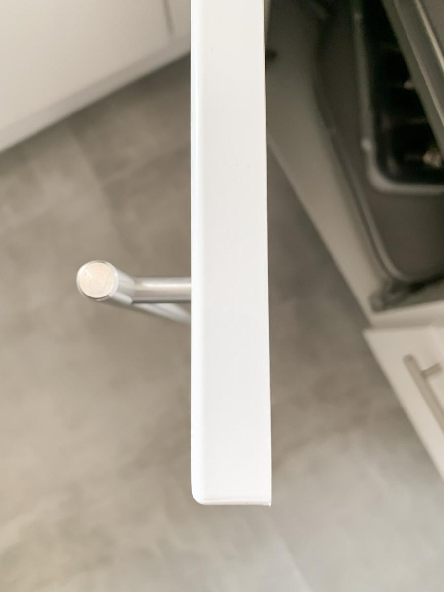 folierter Küchenschrank von oben