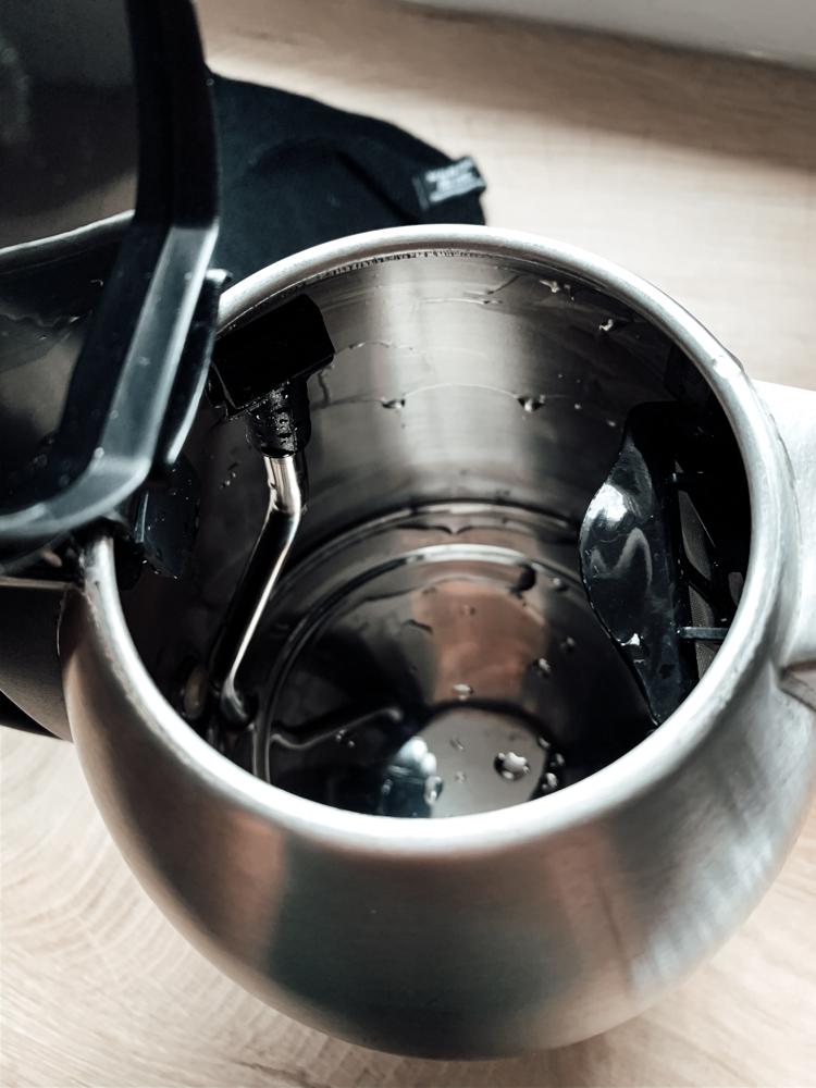 Wasserkocher nach der Entkalkung