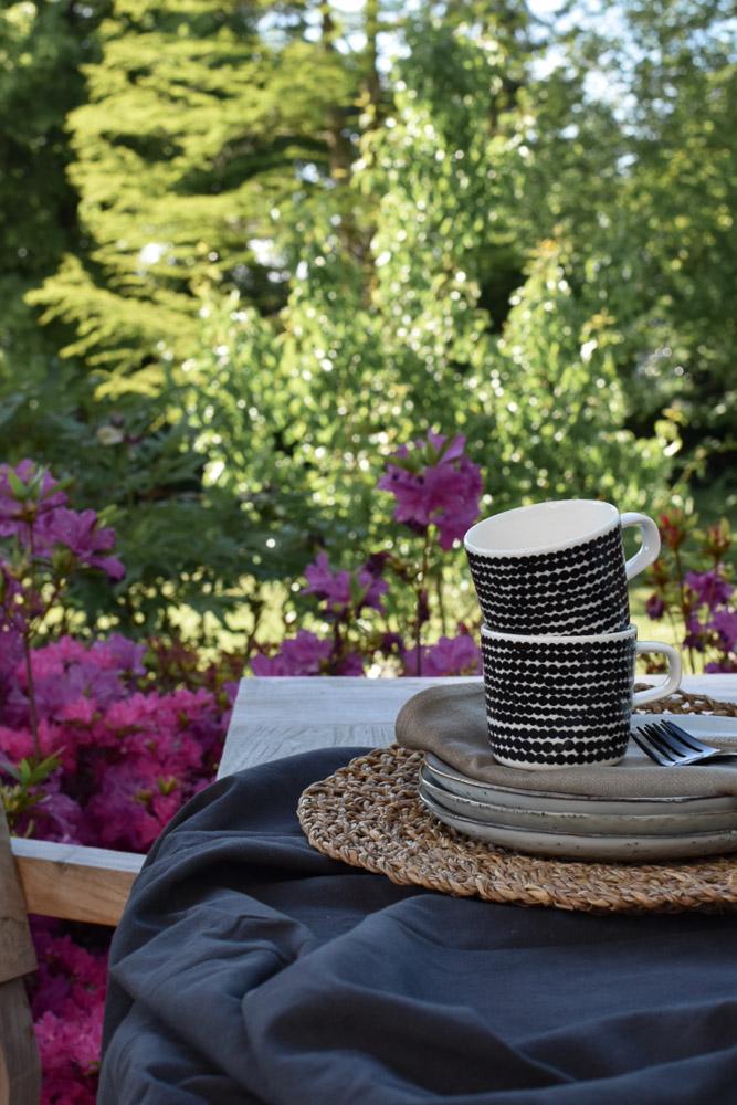 Kaffee mit Blick in den Gartentraum