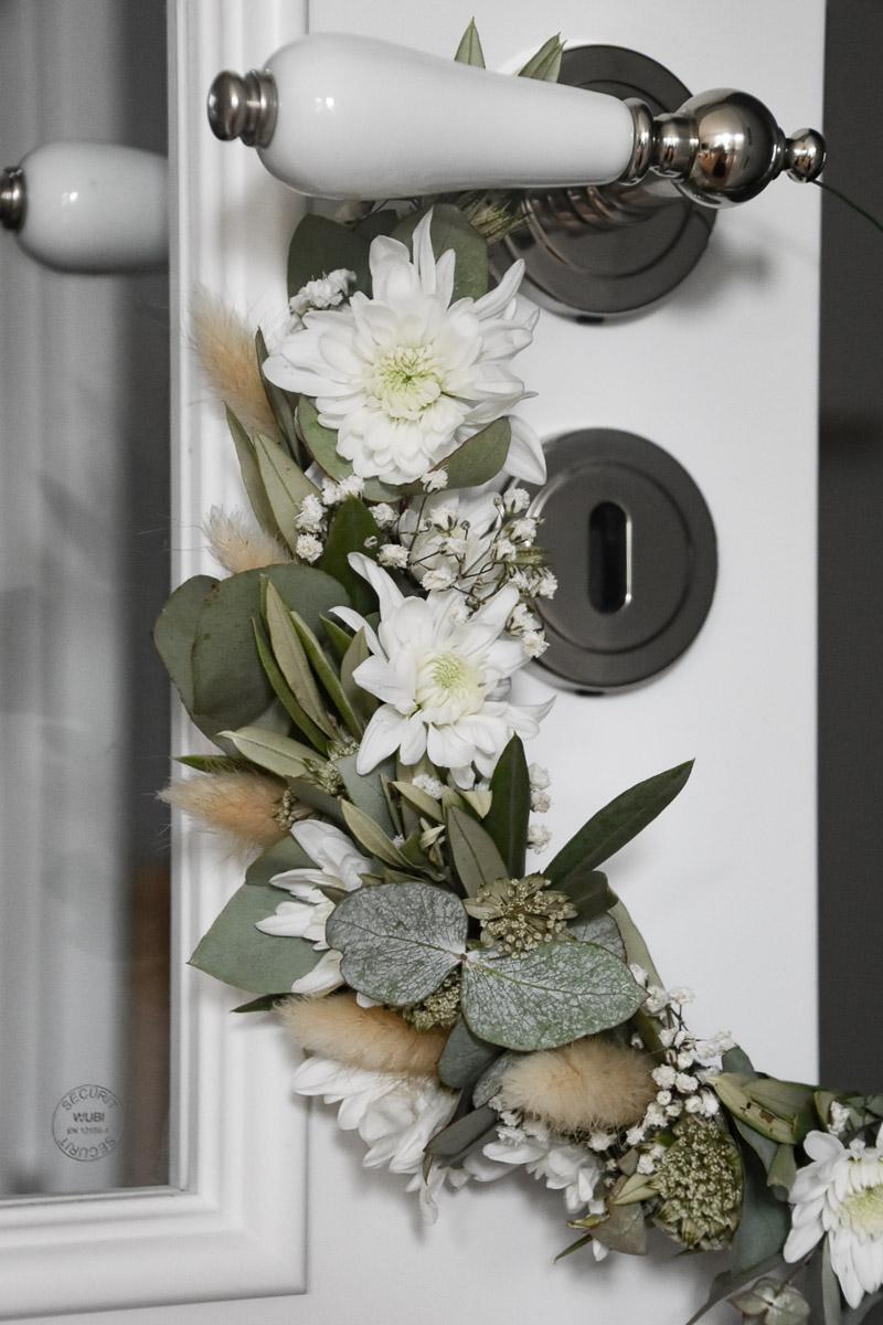 Blumendekoration mit Spray-Chrysantheme