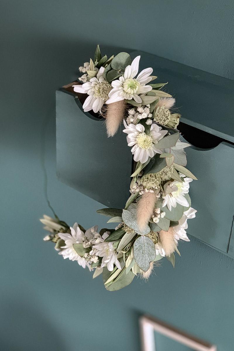 Blumenkranz als trendige Blumendekoration