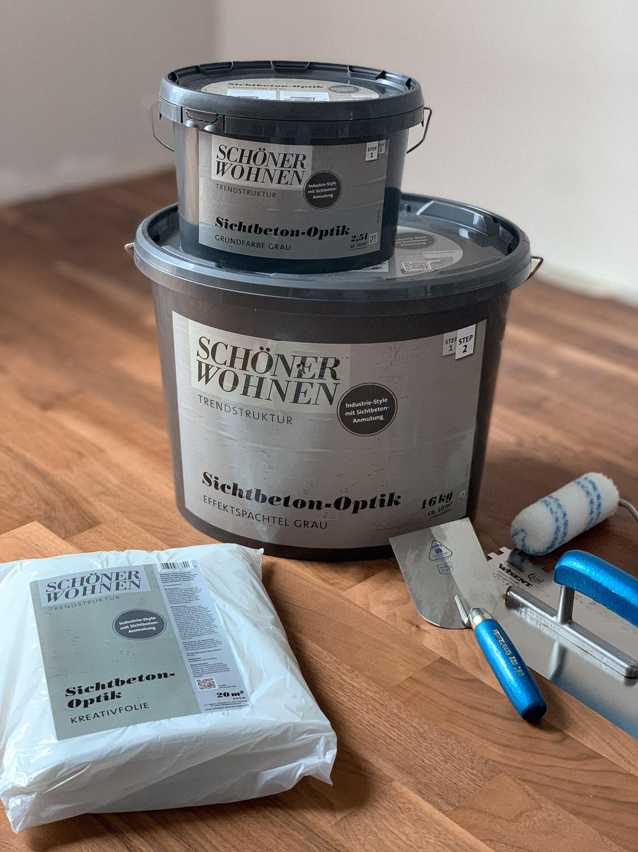 Farbe und Spechtel für Betonwand