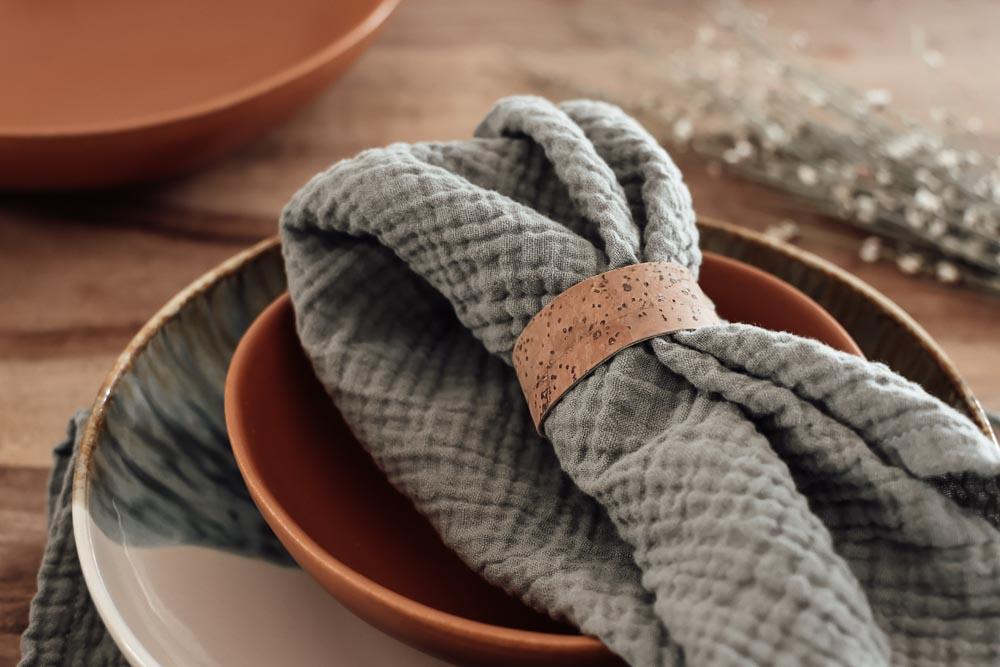 DIY Serviettenringe aus veganem Korkstoff