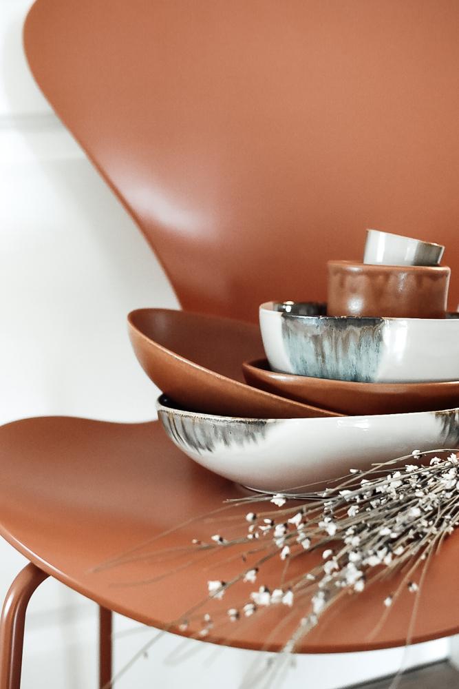 Porzellan für den gedeckten Tisch