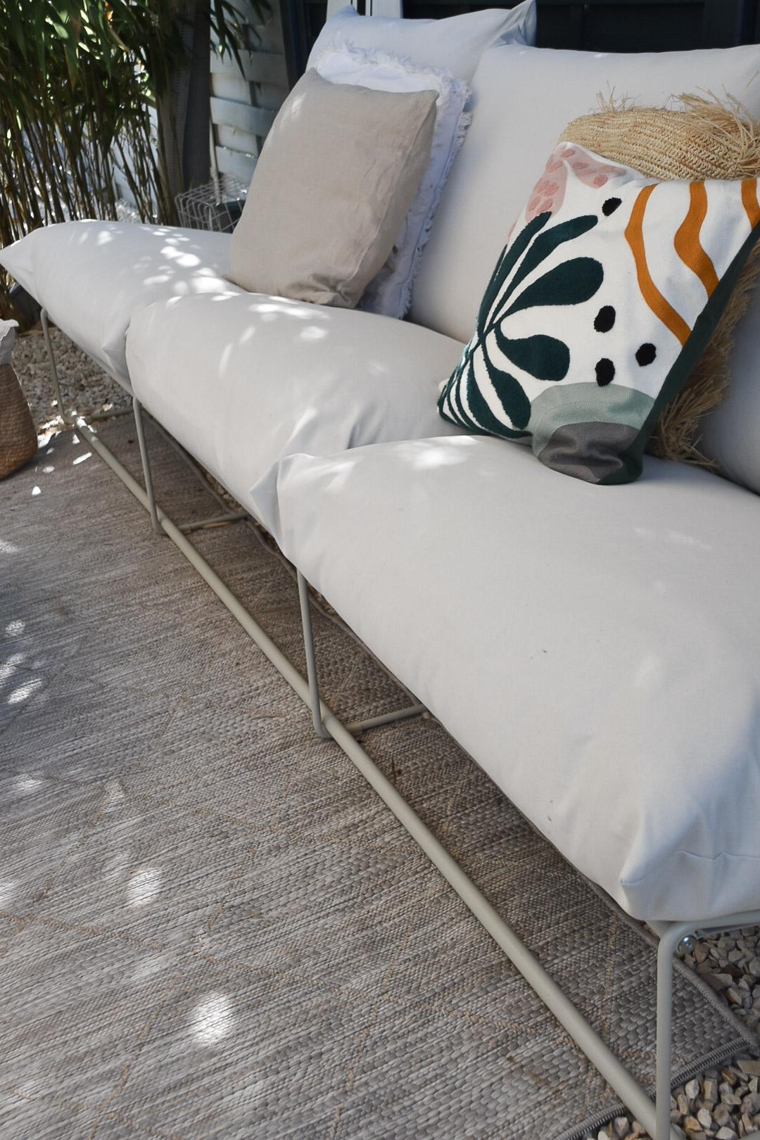 Outdoor-Teppich und Kissen