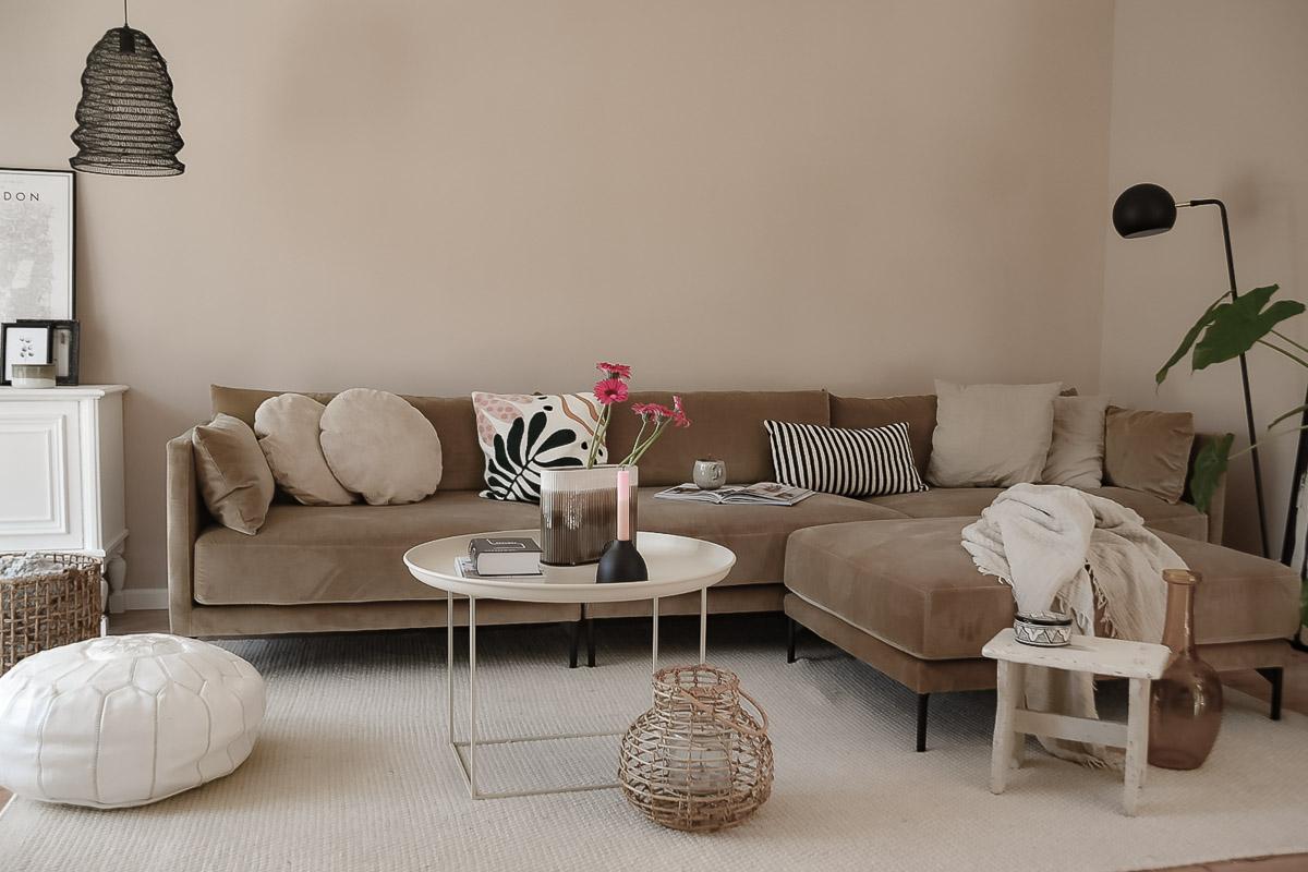 Wohnzimmer Sofa Umstyling nachher